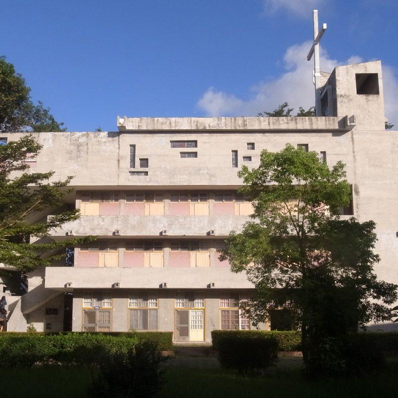 私立公東高級工業職業學校聖堂大樓